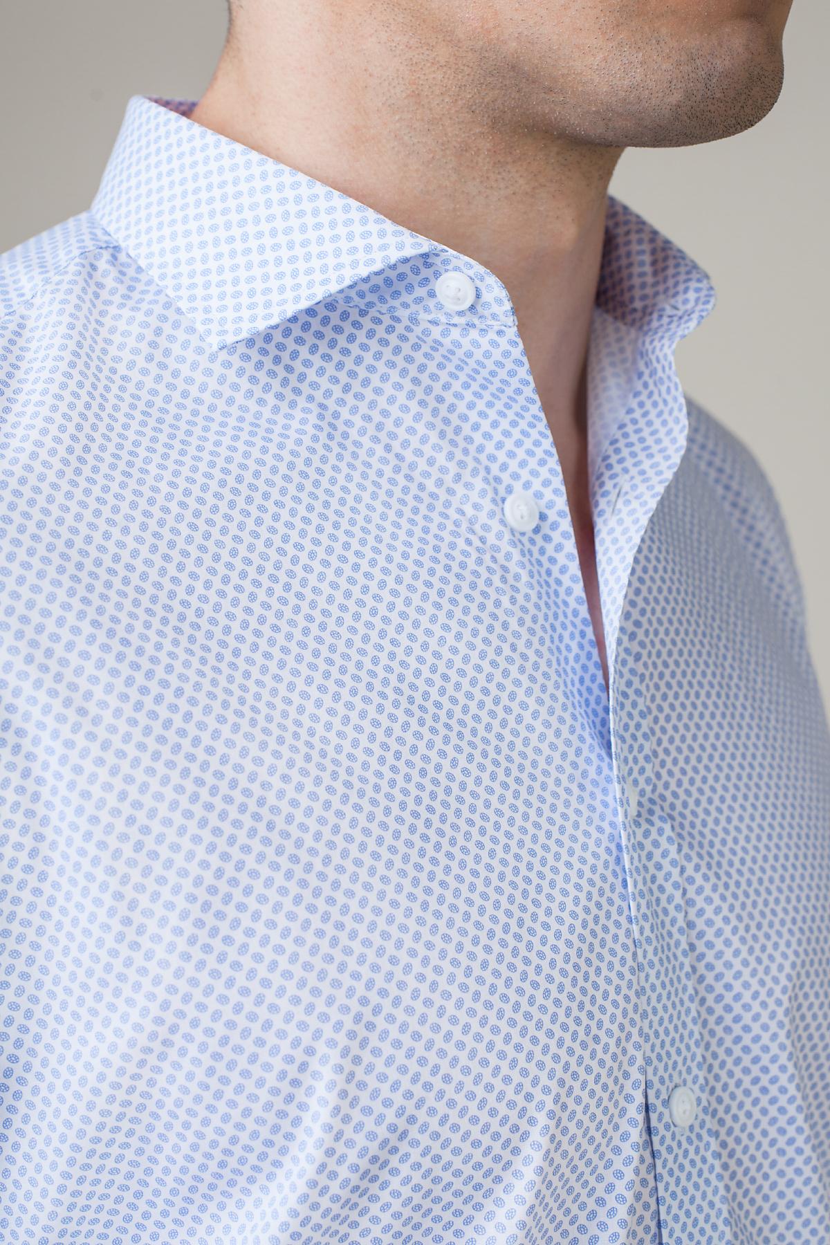 Рубашка голубого цвета в  синий принт Vaismann 20140