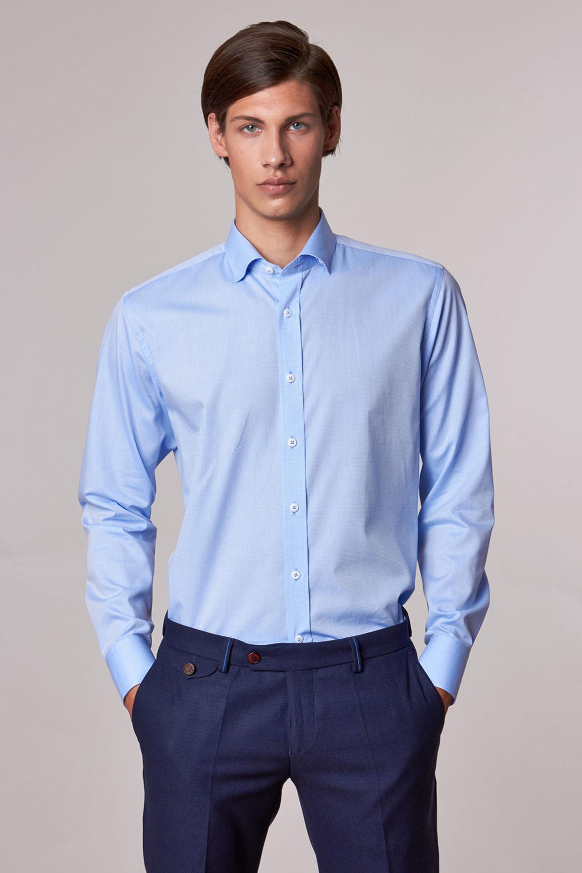Рубашка голубого цвета в узор Vaismann 18201