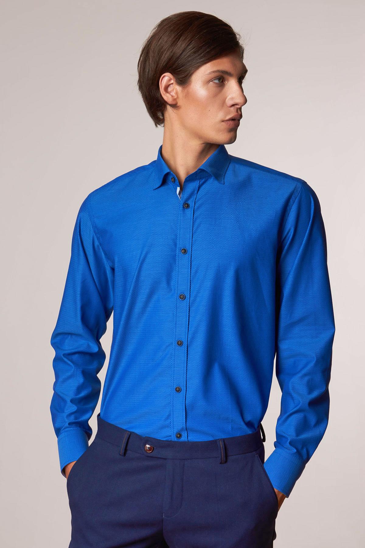 Рубашка синего цвета в узор Vaismann 18202