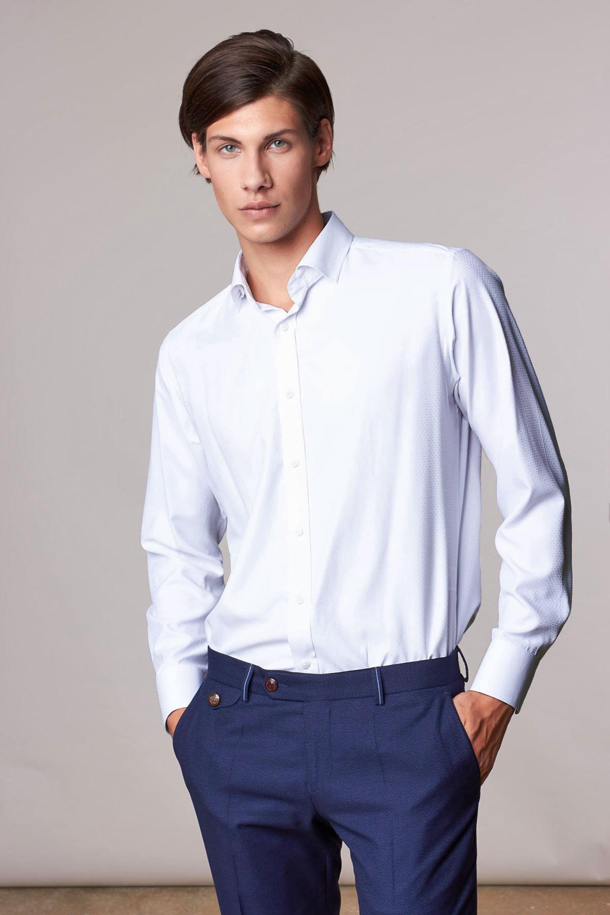 Рубашка белого цвета Vaismann 18206
