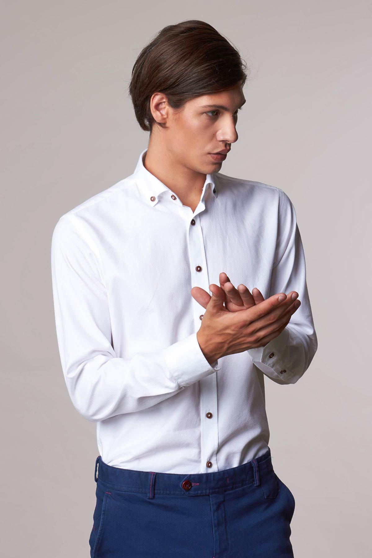Рубашка белого цвета в узор Vaismann 18214