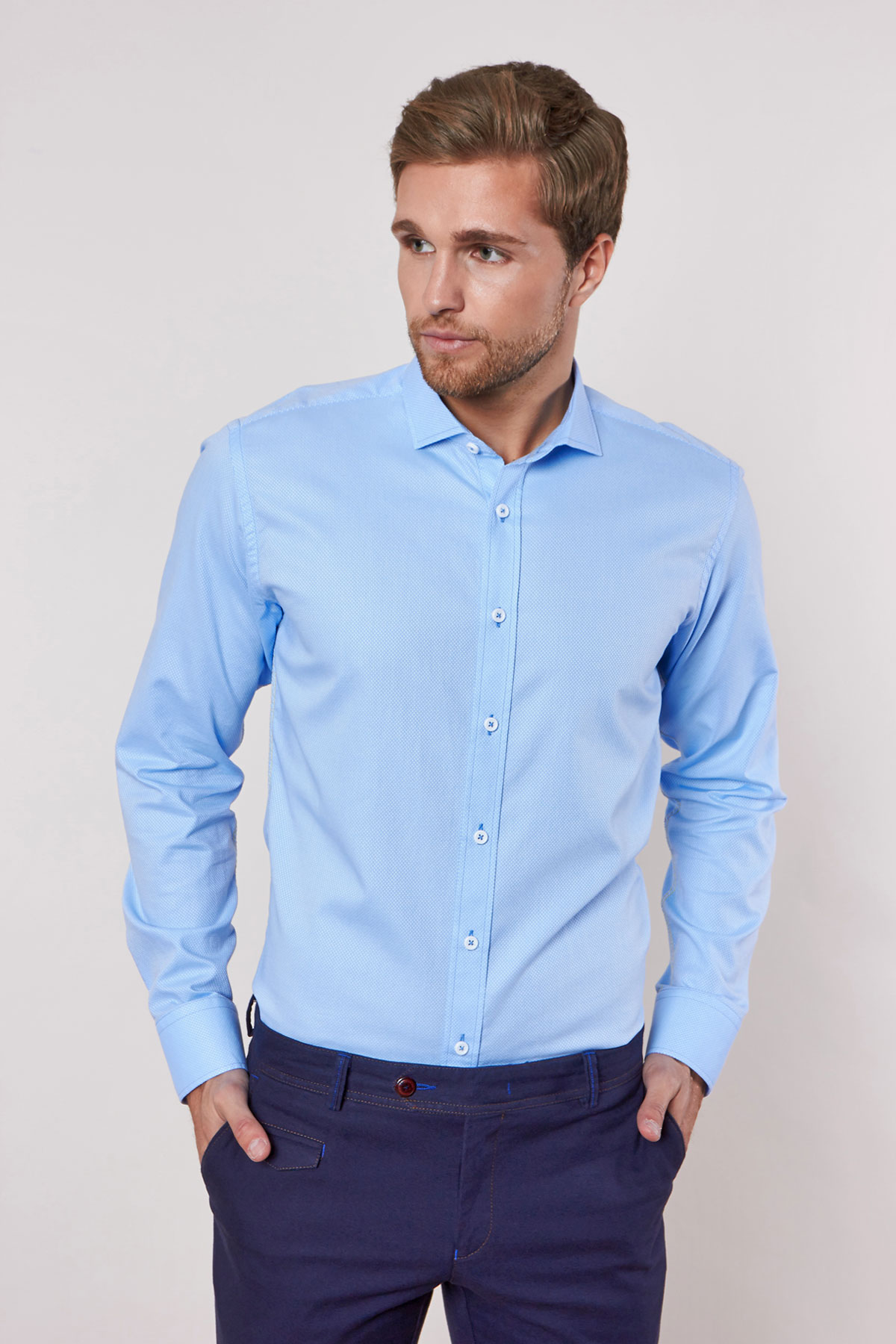 Рубашка голубого цвета в узор Vaismann 18226