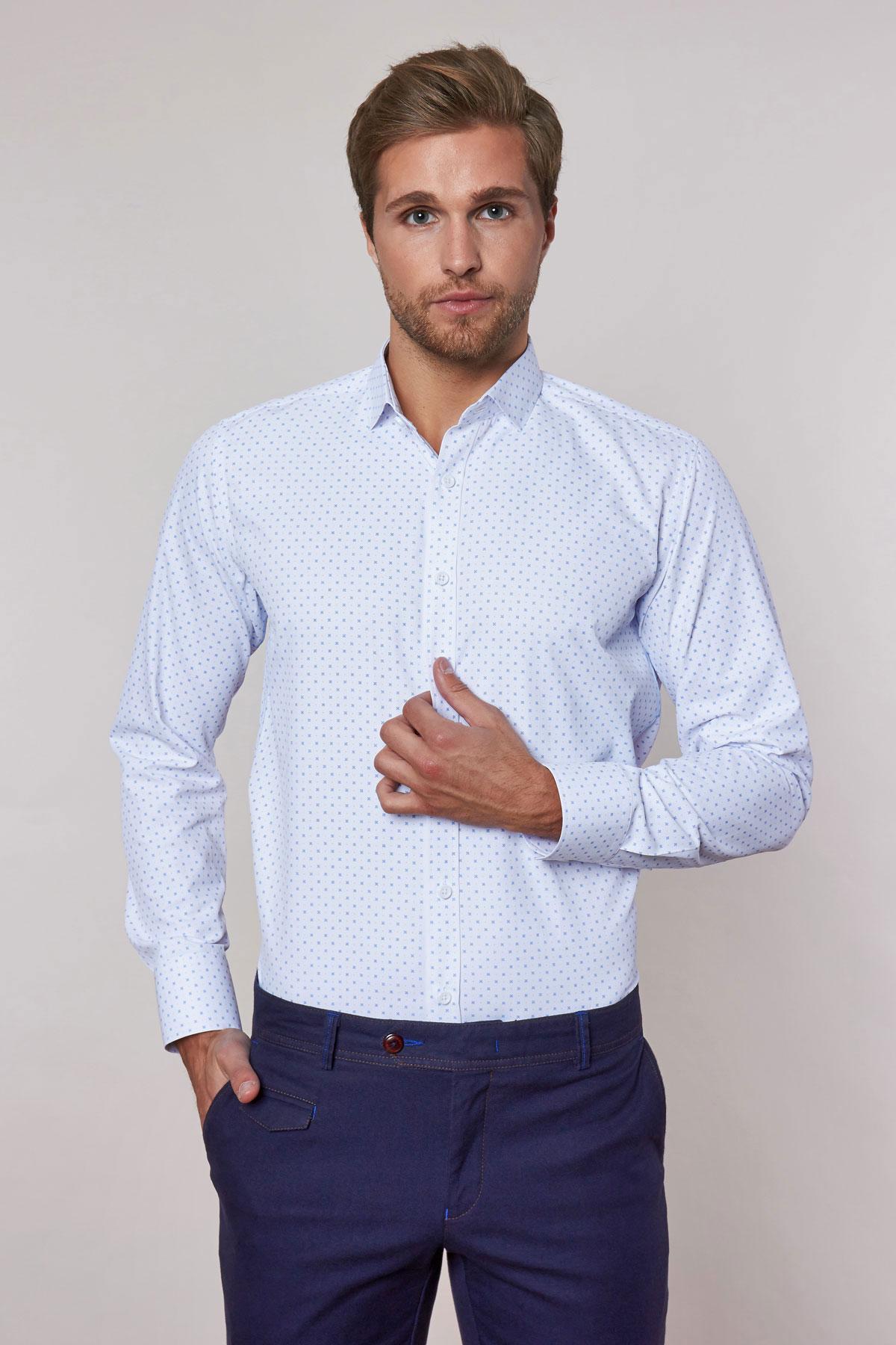 Рубашка белого цвета в узор 18239