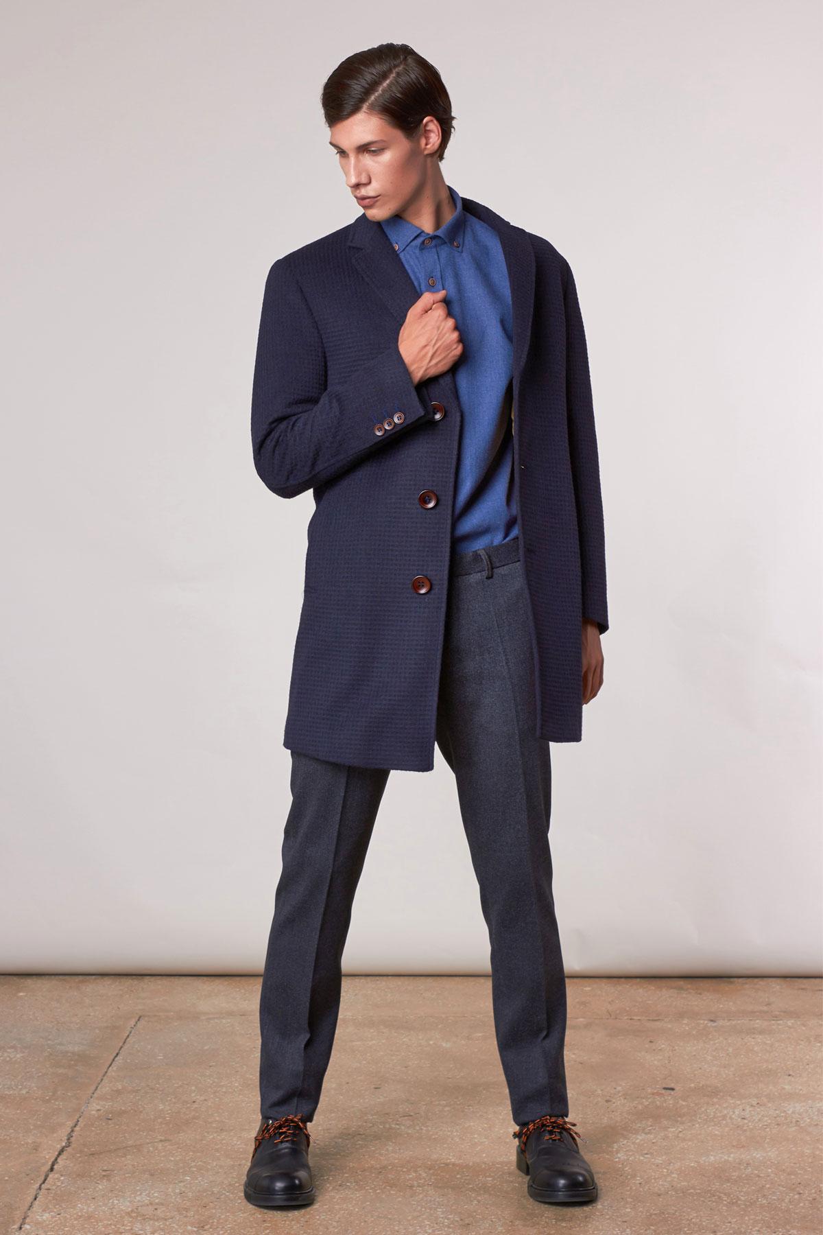 Пальто темно-синего цвета 1811