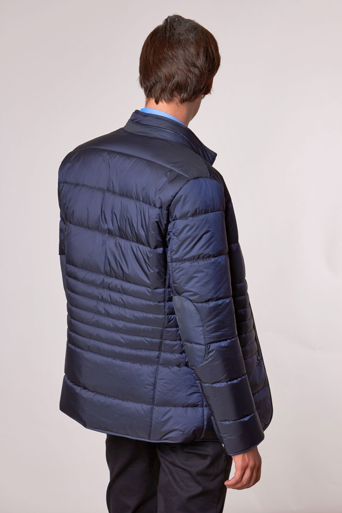 Куртка синего цвета 18-022