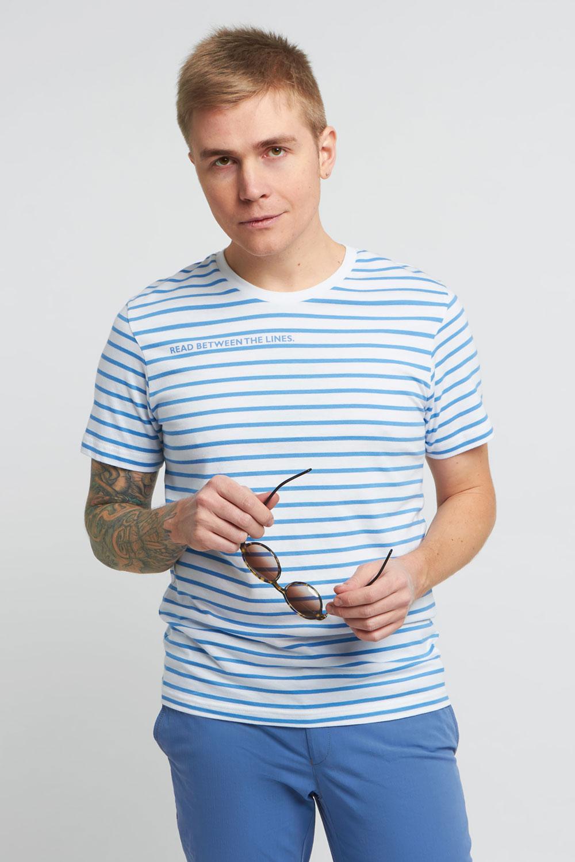 Футболка белого цвета в голубую полоску 18-8102-17