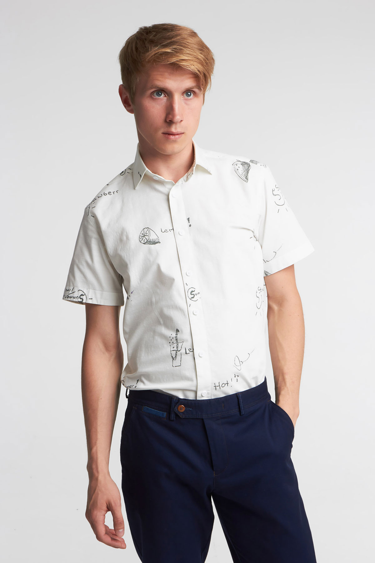 Рубашка  с коротким рукавом белого цвета в узор 18130